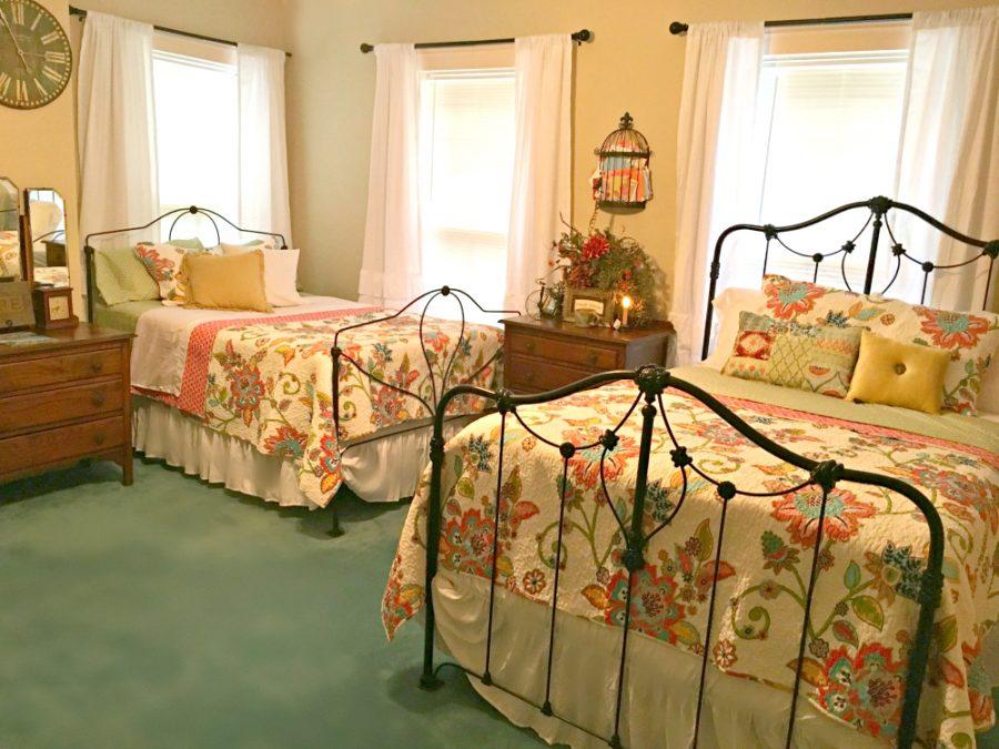 the twin estates room-pbnb