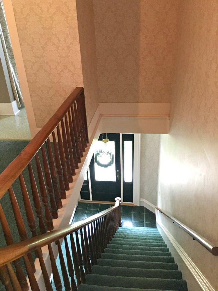 rooms-peppermillbnb-stairway