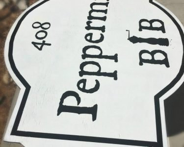 We have a SIGN!!!-peppermillbnb-closeup