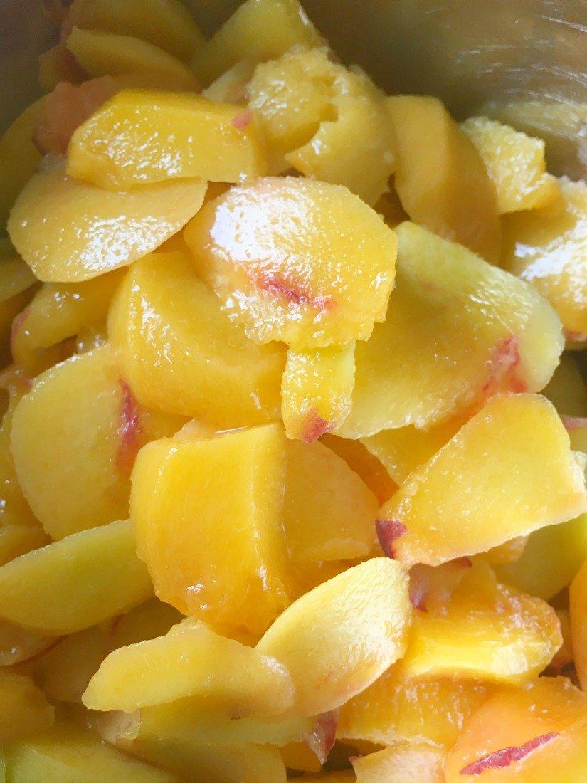 Amazing Glazed Peach Crumb Bars-peppermillbnb-peaches
